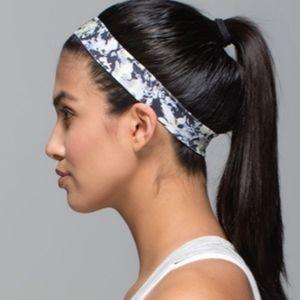 Lululemon Skinny Fly Away Tamer Headband